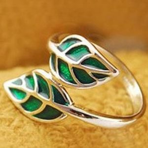 Green Double Leaf Wrap Ring